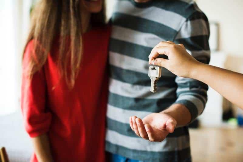 Beim Hausverkauf sollte auf den richtigen Preis geachtet werden